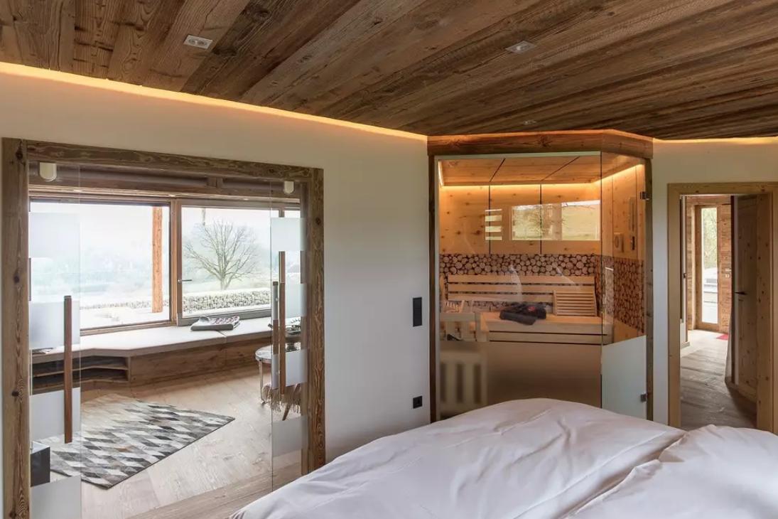 alpenflair in der eifel chalet tirolia lust auf d sseldorf das beste aus der sch nsten. Black Bedroom Furniture Sets. Home Design Ideas
